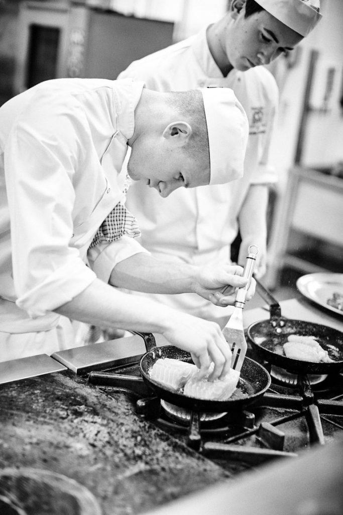 academy-restaurant-cooking1195